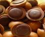 Domácí karamelové Toffife sušenky! Fantastická čokoládová náplň s lískovým oříškem!