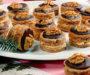 Karamelové vánoční cukroví s čokoládovou polevou a opravdu famózní chutí!