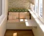 19+ kreativních nápadů na zasklení balkonu v paneláku – uživejte si balkon i v zimě!