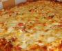 Rychlá pizza se sýrem ze základních ingrediencí připravená za 20 minut!
