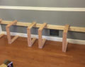 Neměli peníze na nový jídelní stůl – tak si ho postavili sami! Překrásný kreativní nápad!