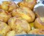 Domácí česnekové brambory s rozmarýnem a vynikající chutí! Připravené v troubě za 25 minut!