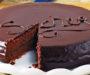 Domácí Sacher dort s čokoládou připravený během chvilky s famózní chutí!