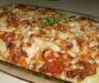 Zapečené těstoviny s vepřovým masem, sýrem a cibulí – připravené za 30 minut!