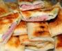 Lahodný plněný chlebík se šunkou a sýrem! Rychlá večeře pro celou rodinu – hotovo za 15 minut na pánvi!